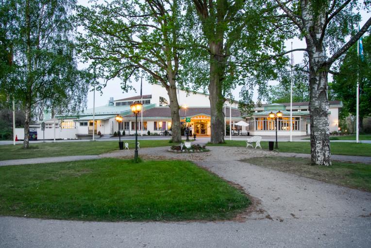 varm japanesse avsugning nära Stockholm